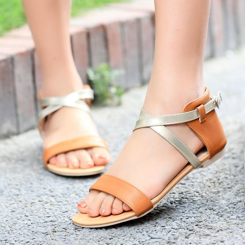 احذية صيفية للبنات لعام 2021