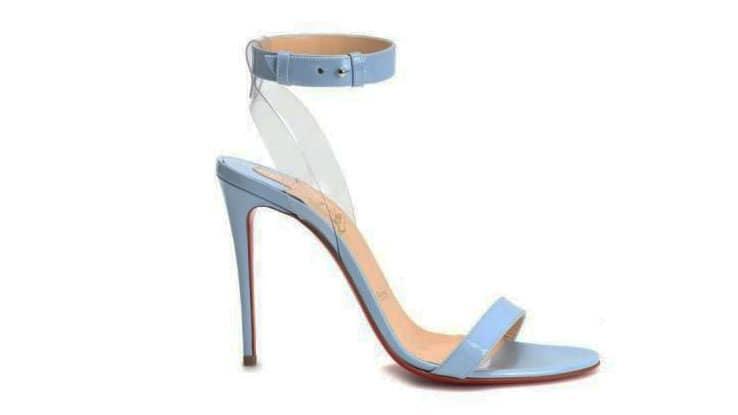 حذاء الزفاف الأزرق