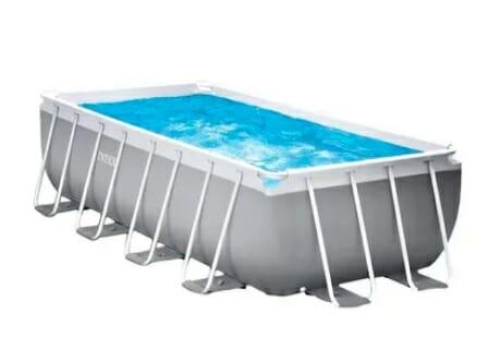 حمام سباحة منزلي