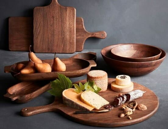 طقم مائدة خشبي