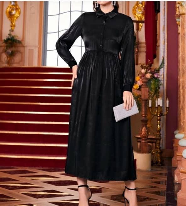 فستان أسود أنيق