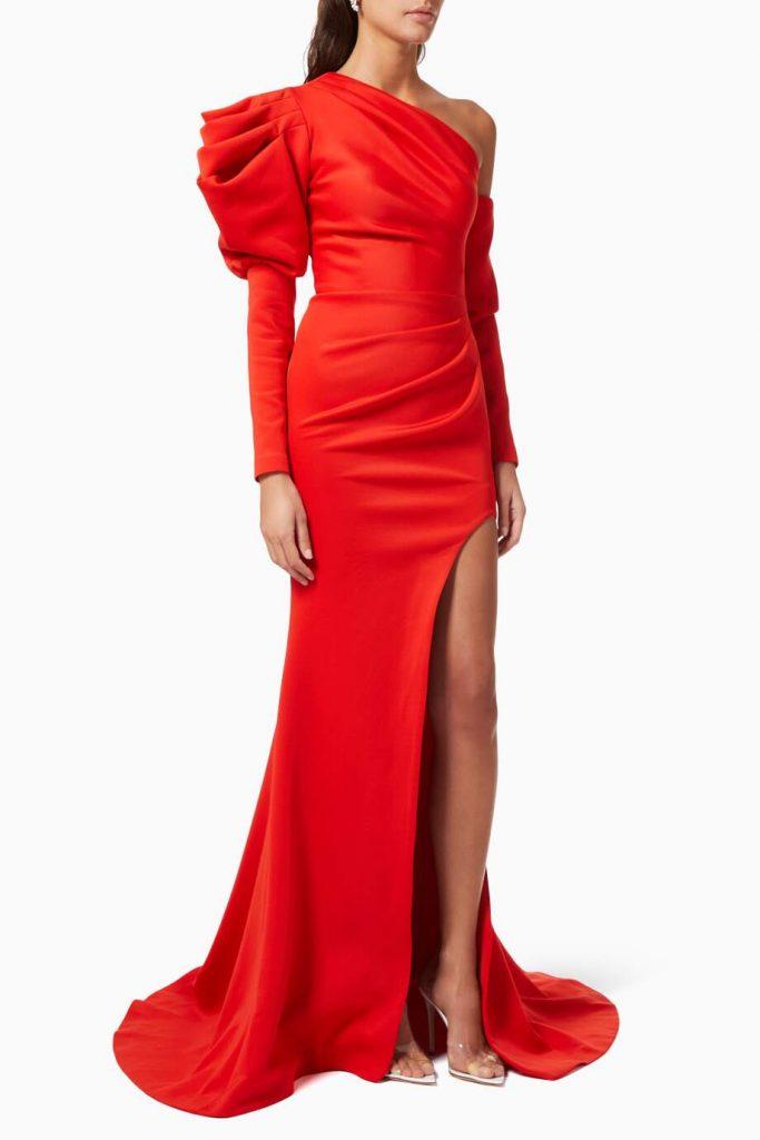 الفساتين لعام 2021