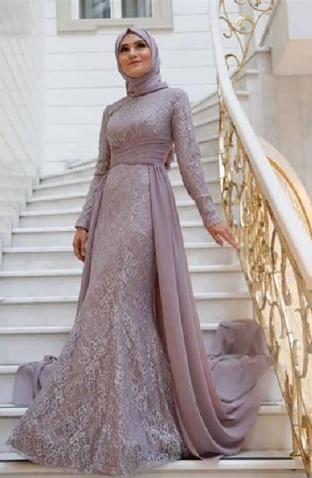 فستان سواريه من الدانتيل والشيفون