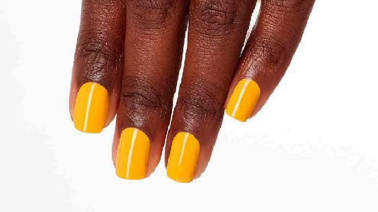لون-المناكير-الأصفر