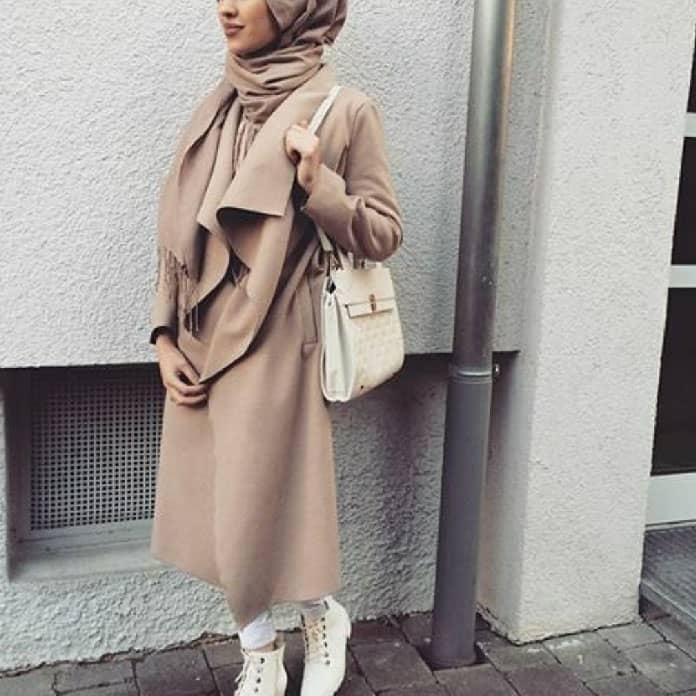 معاطف طويلة مع الحجاب