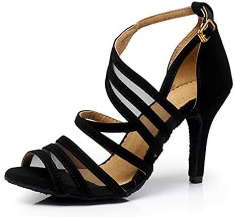 ما يميز هذا الحذاء أن له تصميم جذاب مع حزام أسود يمسك القدم بشكل مثالي كما يمكنك الرقص سيدتي بها لساعات دون تعب قدميك , كما يمتاز ببطانة ناعمة وجيدة التهوية,  مرن للغاية لامع و خفيف الوزن ومريح جدا للقدمين .