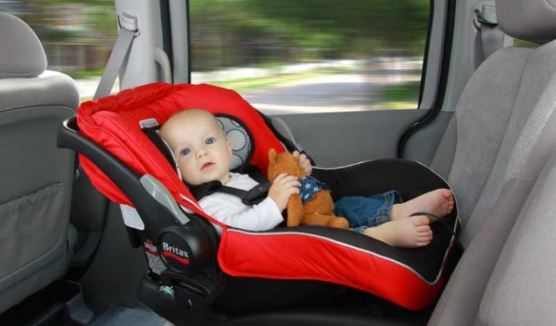 كرسي اطفال سیارة